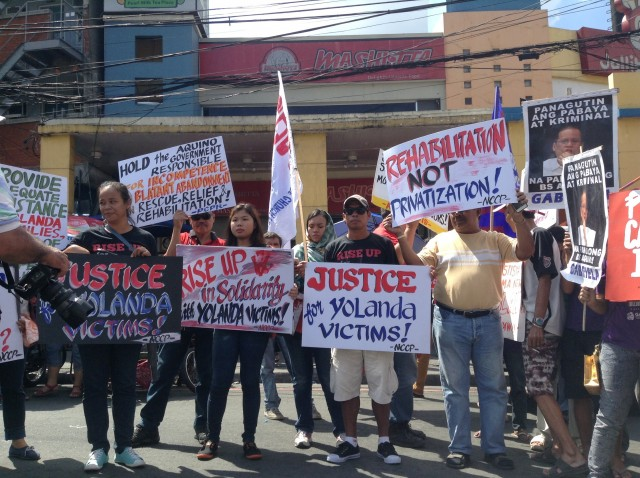 Yolanda survivors join protest in Mendiola (By J. Ellao / Bulatlat.com)