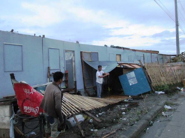Bunkhouse dwellers suffered ?Yolanda (Haiyan), now they suffered ?Ruby (Hagupit) (Photo from People Surge)