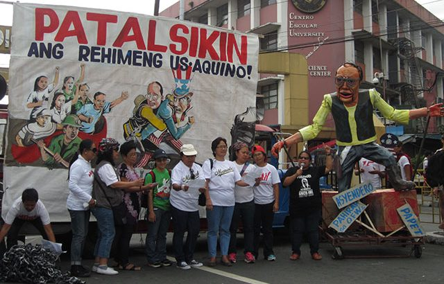 Neglected, OFWs call for Aquino's ouster