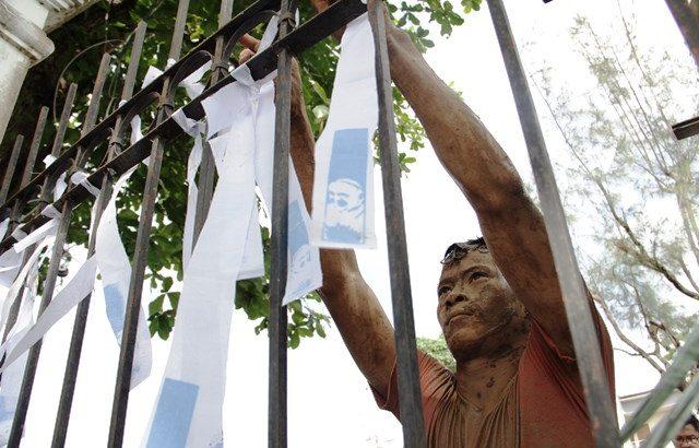 Yolanda survivors, religious 'paint Tacloban white'