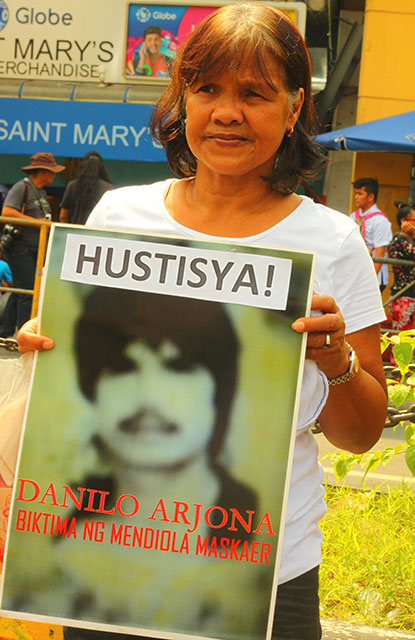 Every year, without fail, Teresita Arjona, demands justice for her husband Danilo, one of the victims of the 1987 Mendiola massacre. (Photo by Ronalyn V. Olea / Bulatlat.com)