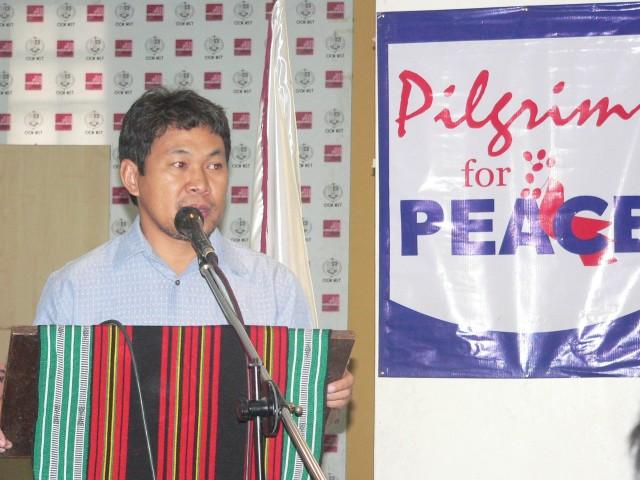 Rasid Tan Ladiasan, MILF CCCH chair, at the forum (Photo by D. Ayroso)