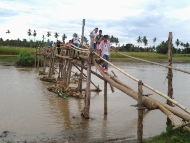 The wooden bridge in Tukanalipao village (Photo courtesy of Suara Bangsamoro)
