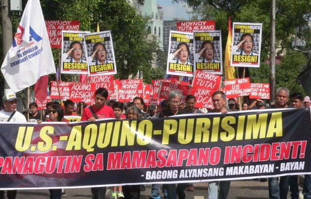 #mamasapano | Protesters call for Aquino resignation