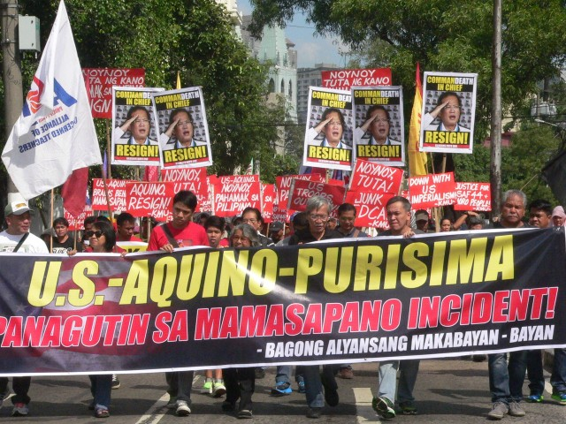Protesters march from Mendiola to the US embassy (Photo by D. Ayroso)