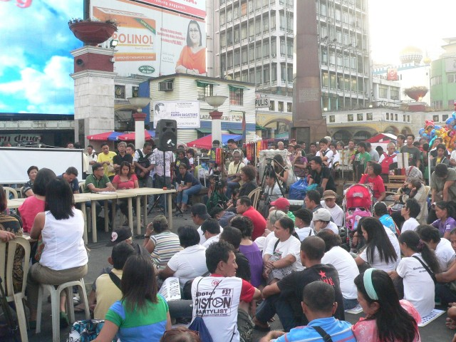 """The open, public """"People's Hearing"""" at the Plaza Miranda in Quiapo. (Photo by D. Ayroso)"""