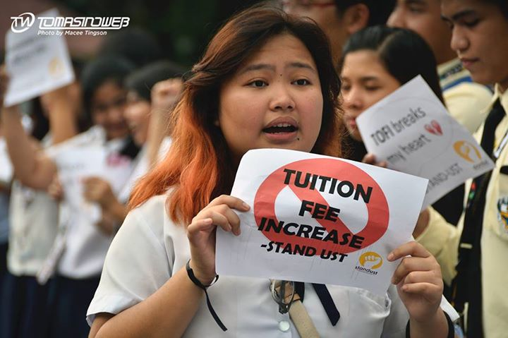 Photo from the Facebook page of TomasinoWeb, the official online student publication and organization of the University of Santo Tomas.