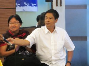 "L: Judy TAguiwalo of Contend, R:  Elmer ""Bong Labog of KMU'"