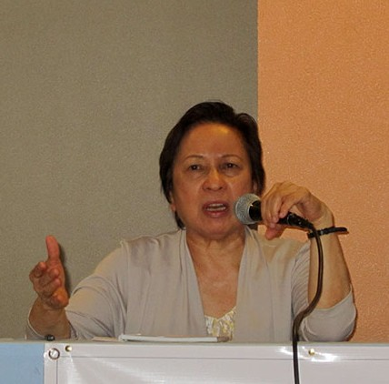 Connie Ledesma, a member of the National Democratic Front of the Philippines (NDFP) peace panel, calls on the government to respect all previously signed agreements in a forum, April 8. (Photo by Ronalyn V. Olea / Bulatlat.com)