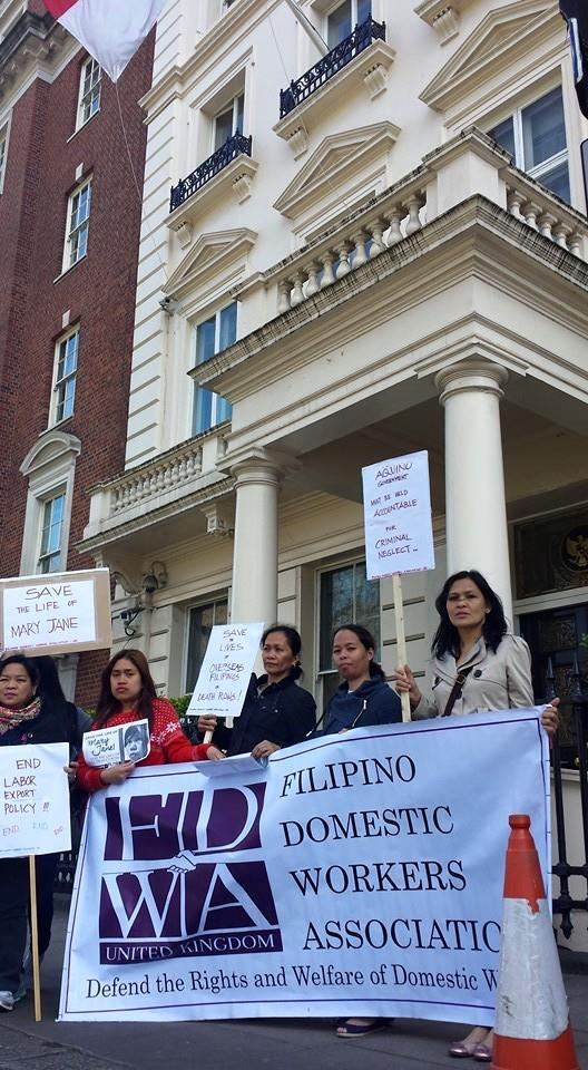 mary jane veloso mob-UK-in front of Indonesia embassy