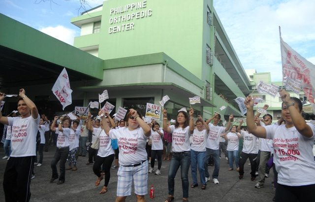 Health workers dance vs privatization, contractualization