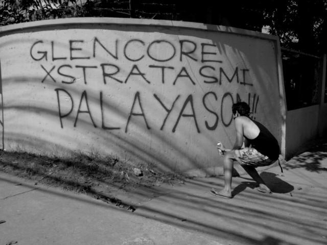 'Operasyon Pinta' sa kilos-protesta noong December 2013 Lakbayan para sa kalikasan, katarungan at karapatang pantao sa rehiyon ng Socksargen. (Larawan ni E. Bautista/Bulatlat.com)