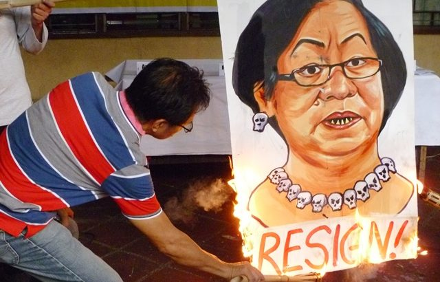 Aquino's tack on Kentex fire deaths 'selective political gimmickry' – labor, women's groups