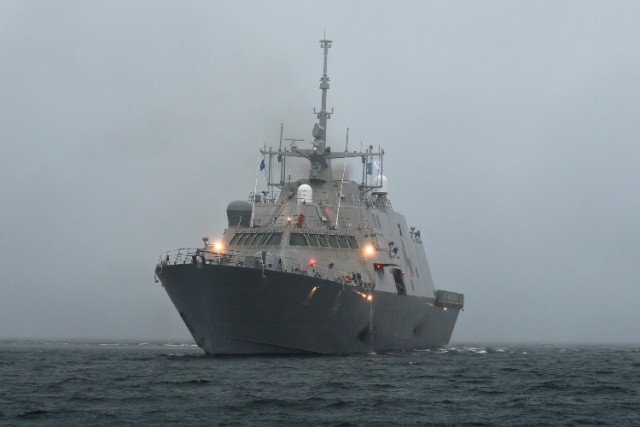 USS Fort Worth (US Navy photo)