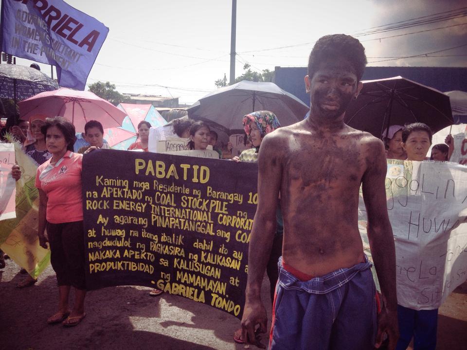 Tondo urban poor protest illegal coal dust stockpiles