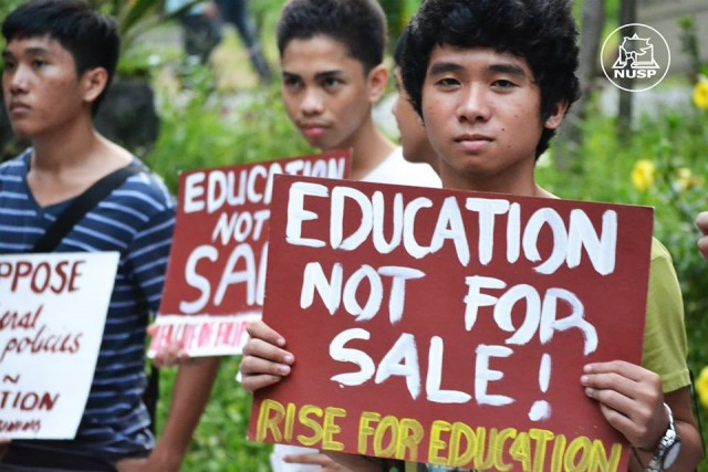 Students protest in front of the Kalayaan Hall freshmen dormitory in UP Diliman (Photo courtesy of NUSP)