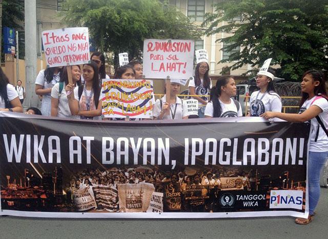 Teachers, students call: 'Wikang Filipino, ipaglaban!'