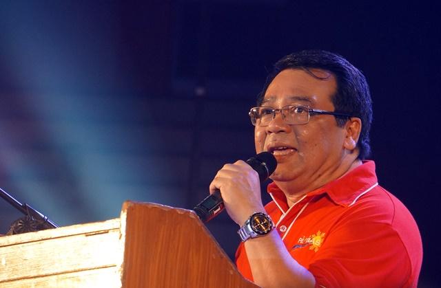 Colmenares: Gawin niyo akong boses niyo sa Senado. Ngayon na ang tamang panahon. (Photo by J. Ellao / Bulatlat.com)