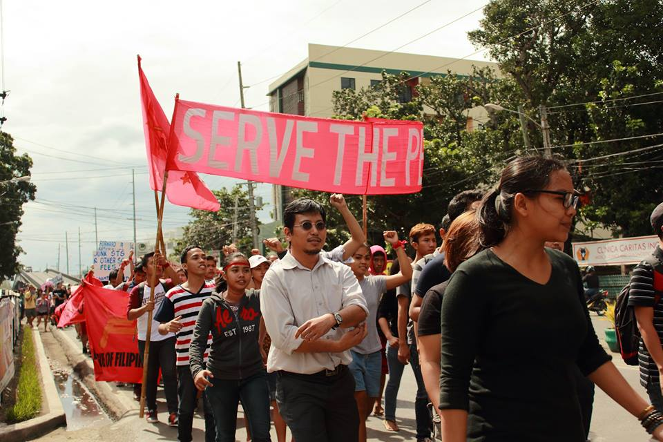 Students and other groups marching against tuition and other school fee increases and budget cut. (Photo by Sine Panayanon)