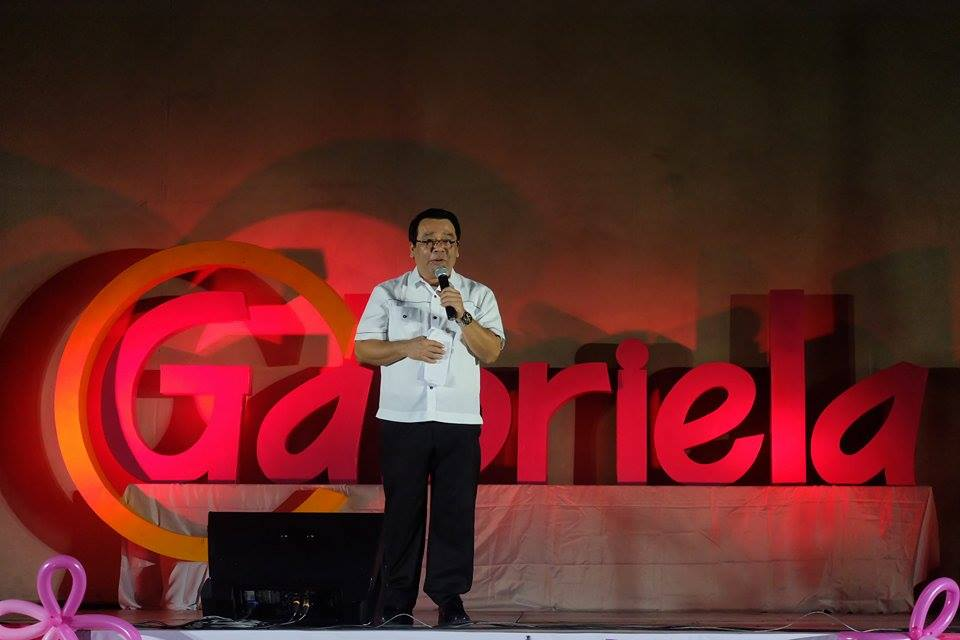 Bayan Muna Rep. Neri Colmenares congratulates Gabriela Women's Party on its 15th year celebration. (Photo by Tudla Productions)