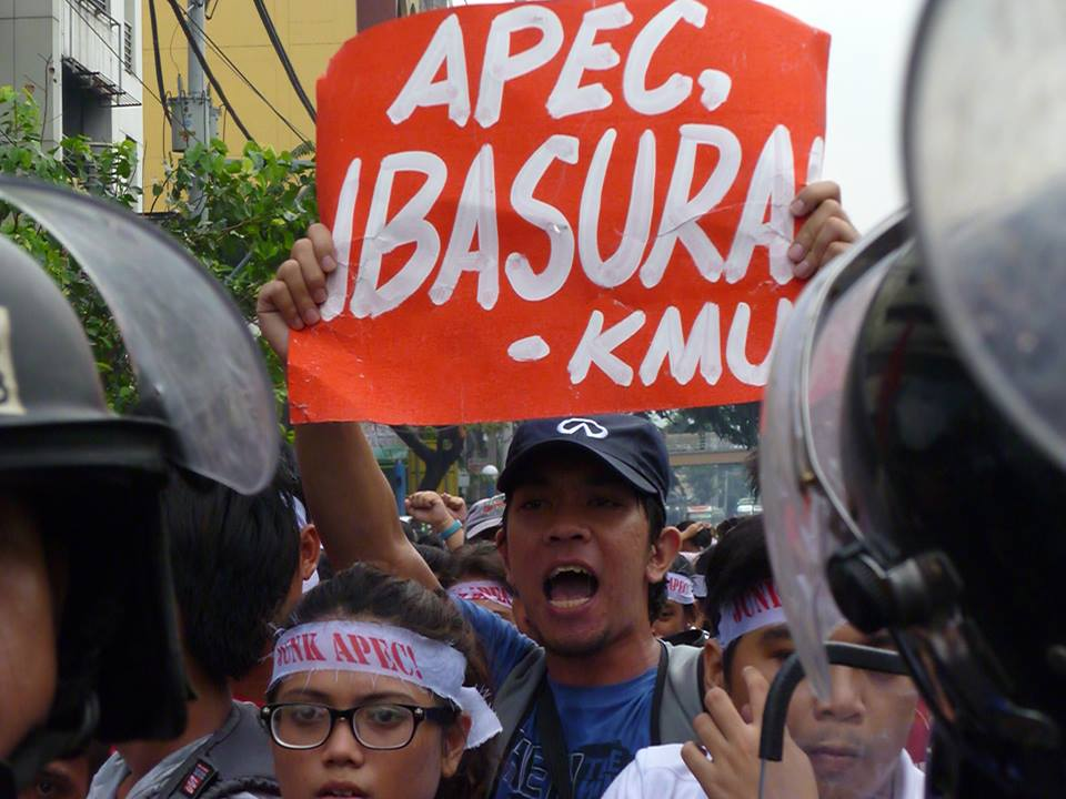 Workers, youth hold lightning rally against APEC summit