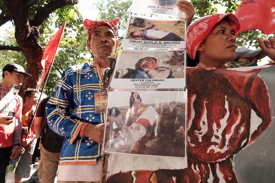 Datu Camilo Asunan of Kitaotao, Bukidnon at the DOJ protest on Nov. 5 (Photo by Manila Today)