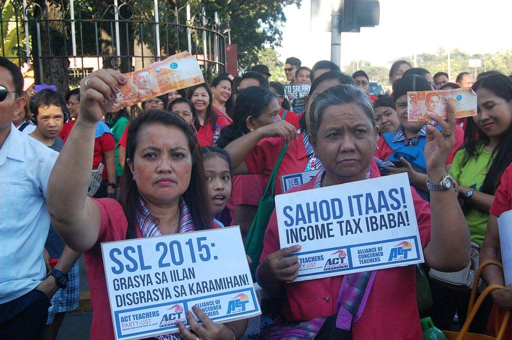 "Public school teachers are not happy with the proposed Salary Standardization Law of 2015 saying that it is just an ""alms."" (Photo by Mon Ramirez)"