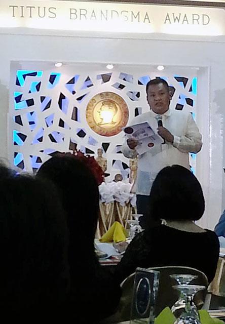 Raymund B. Villanueva is this year's recipient of Titus Brandsma Award for Emerging Leadership in Journalism (Photo by Pom Cahilog-Villanueva/Bulatlat.com)