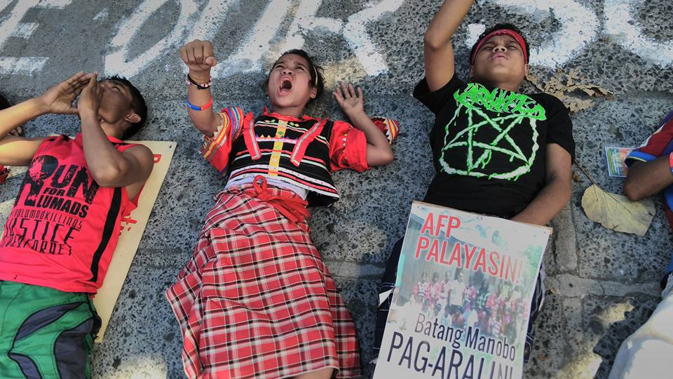 Lumad children held three-day camp in front of Department of Education. (Photo by Kharlo Manano/ Bulatlat.com)