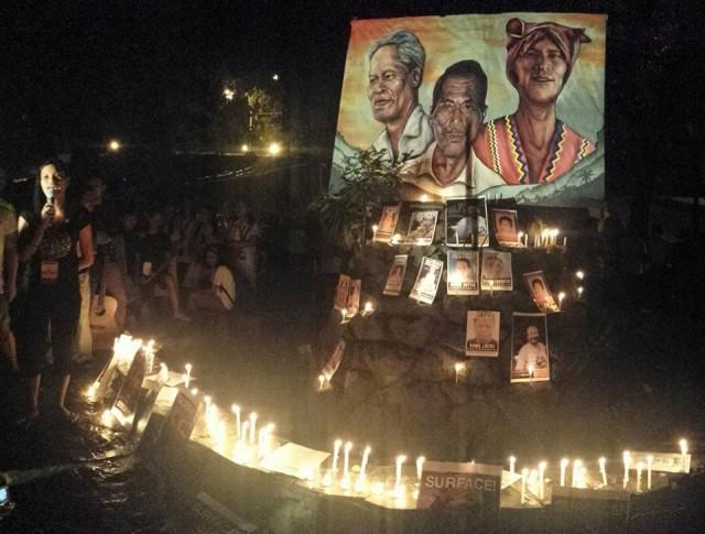 Candle-lighting tribute to martyrs by Manilakbayan at Liwasang Bonifacio (Photo by Kilab Multimedia)