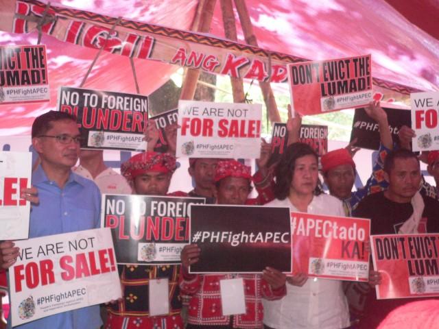 #PHFightAPEC held its press briefing  at the Kampuhang Bayan of the Manilakbayan at Liwasang Bonifacio (Photo by D.Ayroso/Bulatlat.com)