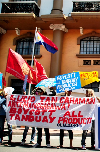 Bulatlat picture: Tanduay workers in Labor Dept