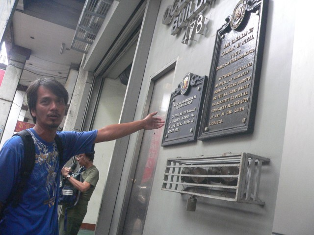 WHERE RIZAL'S MOTHER DIED. Teodora Alonso, the mother of the national hero, Jose Rizal, died in a house that once stood along San Fernando street in Binondo, where a modern building now stands.