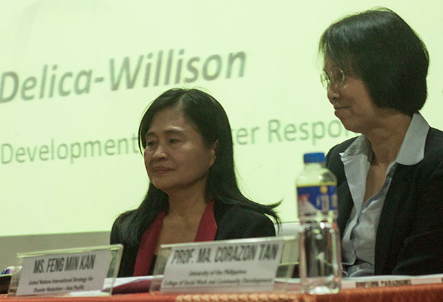 (L-R) Experts on disaster risk reduction Zenaida Delica-Willison and Feng Min Kan highlight the need to build the resiliency of communities in a forum, Nov. 6. (Photo by Ronalyn V. Olea / Bulatlat.com)