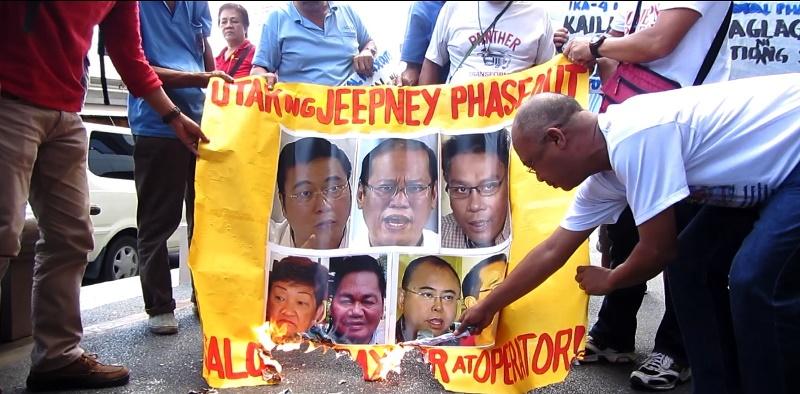 Bulatlat Photo: drivers protest jeepney phaseout