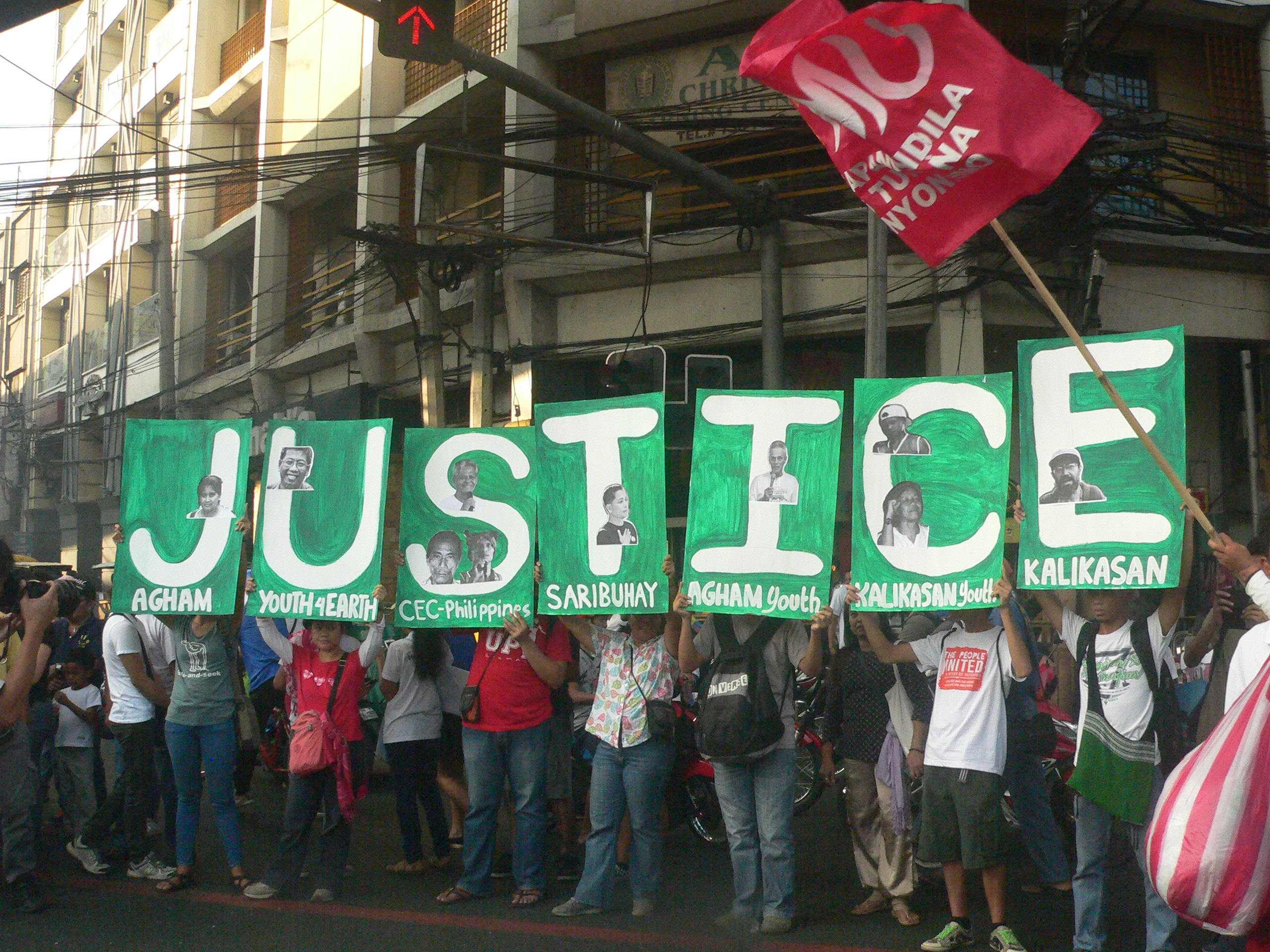 Environmentalists at the International Human Rights Day protest in Mendiola (Photo by D.Ayroso/Bulatlat.com)