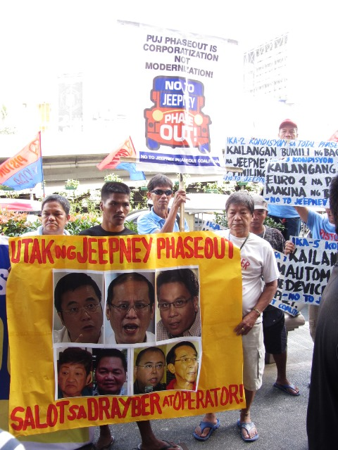 Bulatlat Photo: drivers oppose corporate takeover
