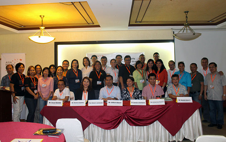Representatives of different sectors from all over Luzon attend a conference aiming to enhance disaster resilience of communities. (Photo by Ma. Ninez Brozula)