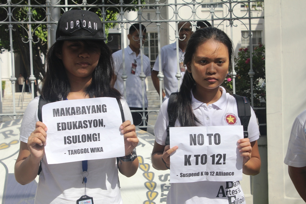 BULATLAT FILE PHOTO. Feb. 22. Students, professors and parents urged the Supreme Court to act on their petitions against K to 12. (Photo by A. Umil/ Bulatlat)