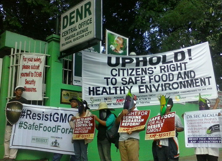 Civil society organizations say that the new circular on GMO violates the people's right to safe food. (Photo by Ronalyn V. Olea / Bulatlat)