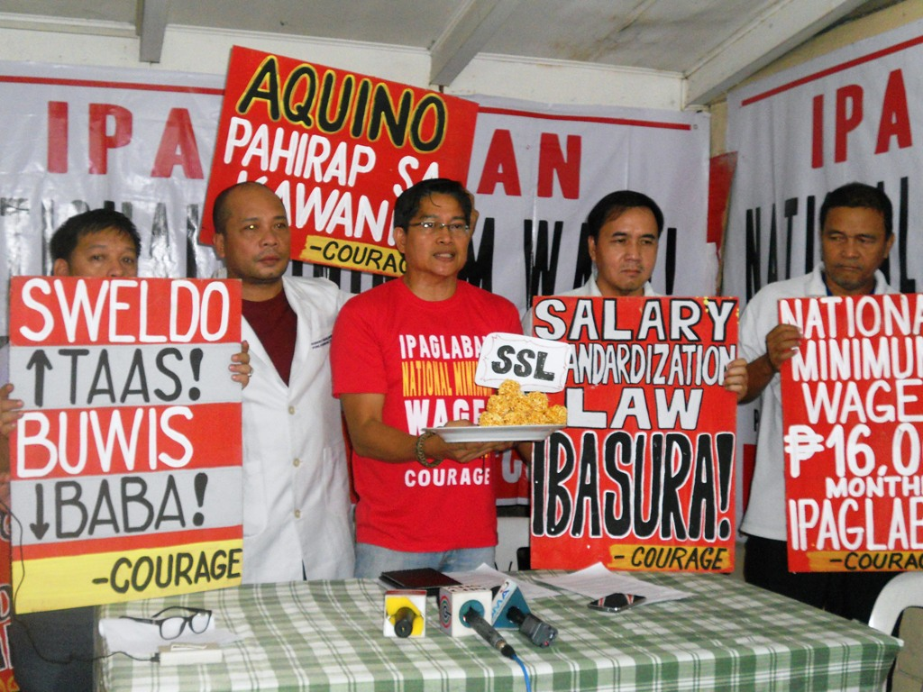 "All Government Employees Unity gathered to announce their big protest on Feb. 16, dubbed as ""Black Hearts Day.""  (Photo by A. Umil/ Bulatlat)"