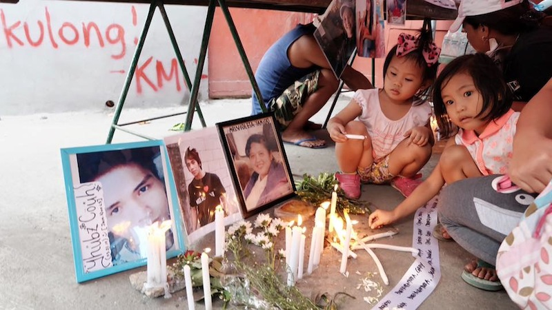 Picture: Mourners for Kentex victims