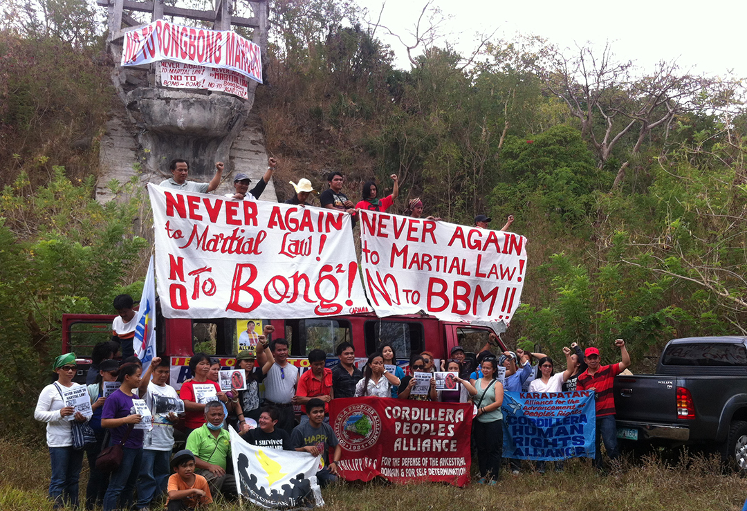 Groups gather at the ruins of the Marcos bust in Tuba, Benguet (Photo by Noel Godinez/Northern Dispatch)