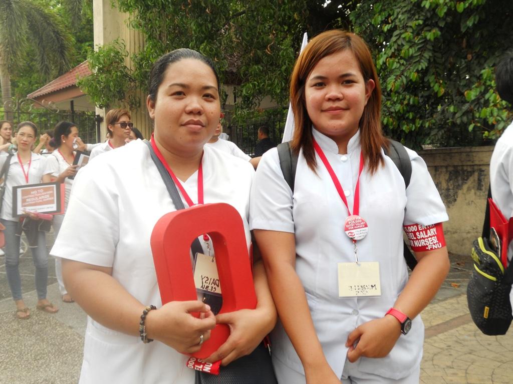 Daisy Palacio (left) ang Michelle Baltar (right). (Photo by A. Umil/ Bulatlat)