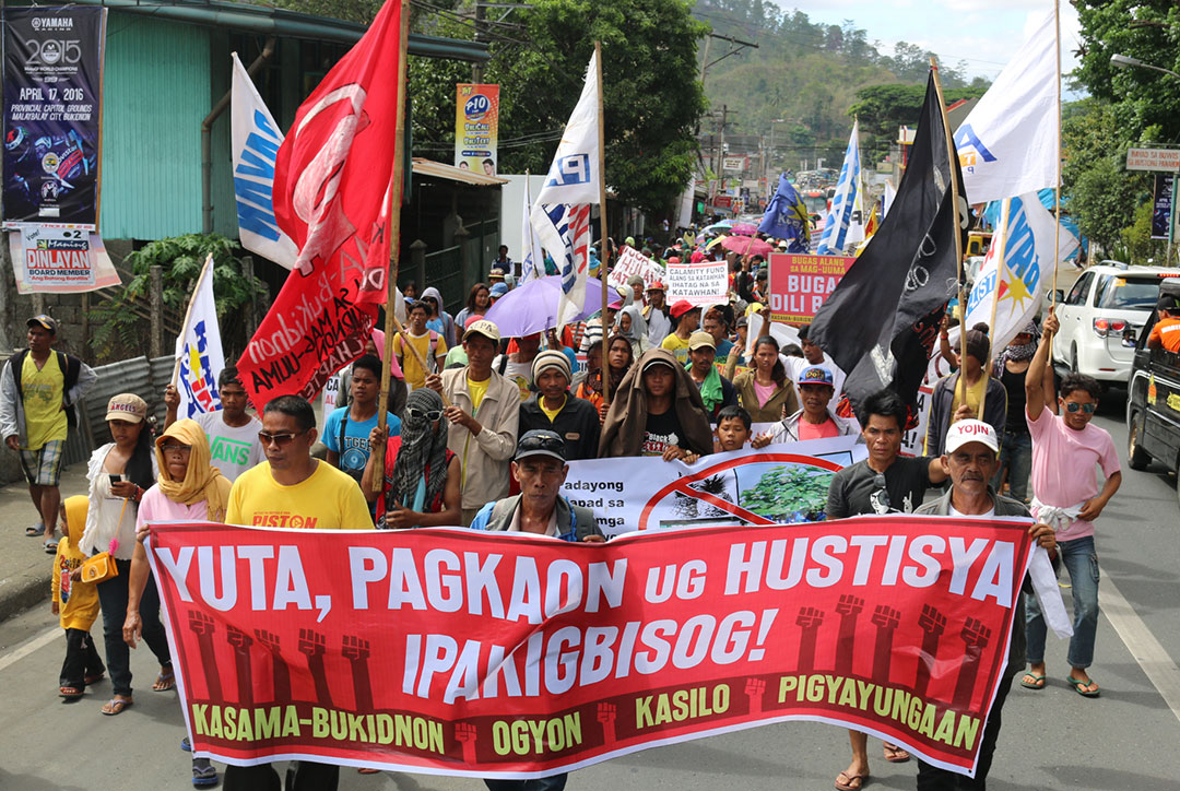 Thousands of farmers all over Bukidnon march to Malaybalay to deman government aid, April 20. (Photo courtesy of Marx Segunda and Rural Missionaries of the Philippines-Northern Mindanao Region)