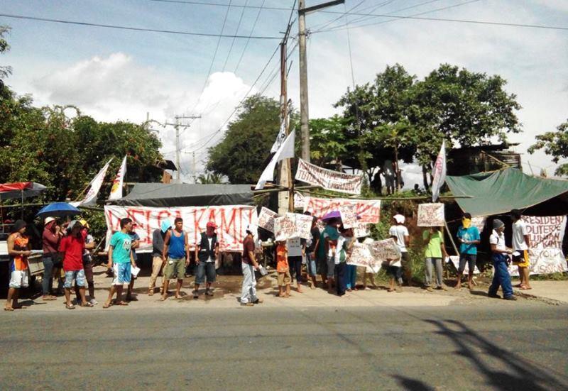 Porters lead strike for regular jobs in largest agri-based coop in PH