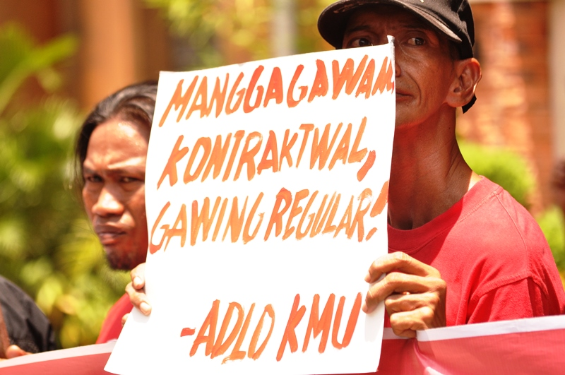 Workers protest contractualization