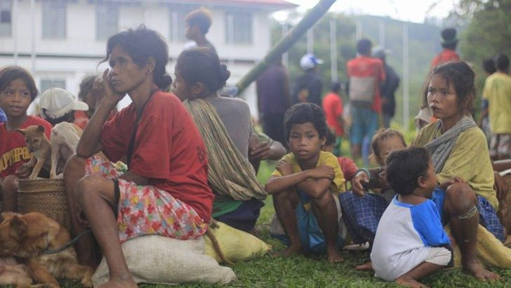 'Bakwet' | Hundreds of Lumád flee communities in Agusan Sur, Bukidnon