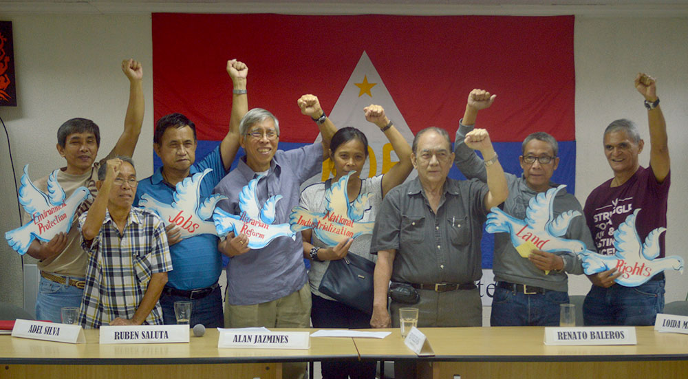 L-R: NDFP consultants who are part of the reciprocal working committee on social and economic reforms: Kennedy Bangibang, Ruben Saluta, Adelberto Silva, Alan Jazmines, Loida Magpatoc, Ed Villegas, Renato Baleros and Jaime Soledad (Photo courtesy of Pher Pasion/Pinoy Weekly)