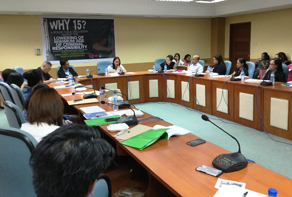 Gabriela Women's Party and Salinlahi Alliance for Children's Concern organized a round table discussion on why minimum age of criminal responsibility cannot b lowered than 15 years old.  (Bulatlat photo)